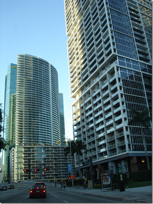 downtown_miami_skyscrapers_tall_buildings